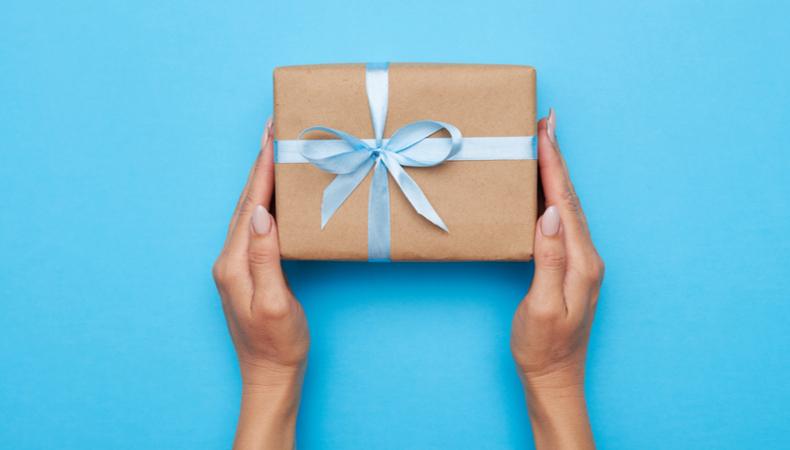 Should your sales incentive programme for distributors be based on cash rewards or non cash rewards?